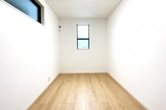 《洋室約5.2帖》実際に室内をご覧いただけます。お気軽にお問い合わせ下さい!