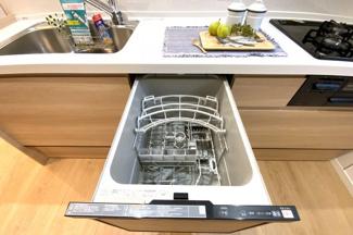 食器洗浄乾燥機は環境にも、奥様の手にも優しい設備です。