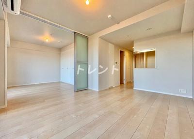 【居間・リビング】メルクマール京王笹塚レジデンス