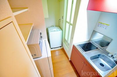 2口ラジエントヒーター付き。部屋により設備が異なる場合あり。