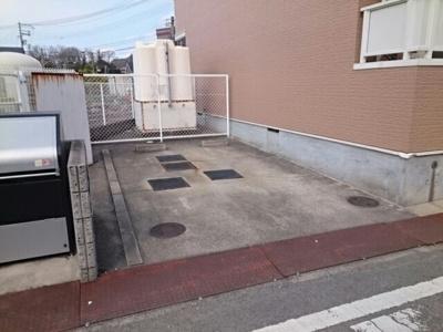 【駐車場】シャン・ド・フルール