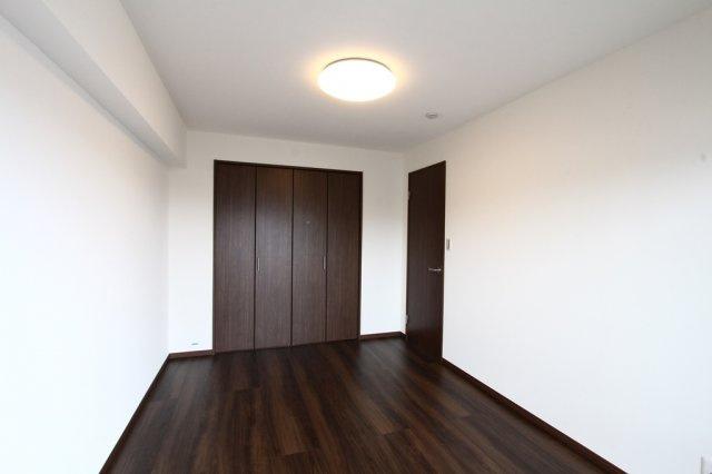 どの部屋を使おうか家族会議も楽しみな洋室は5.2帖 5.4帖 6帖と3部屋ございます。ご夫婦の寝室や子供部屋、ジョイントマットを敷いてキッズスペースにするなど使い方はまさにフレキシブルです。