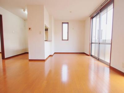 【居間・リビング】ウィンド ハウス A棟