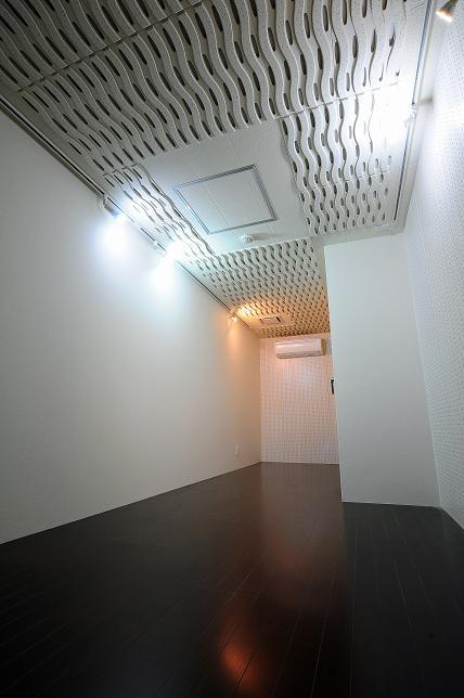 地下防音室はこちら※反転タイプの写真です。