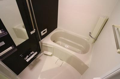 【浴室】グルーブメゾン歌敷山