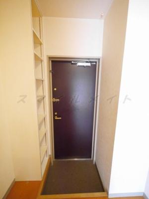 ダブルロックで安心の玄関・シューズBOX付きです。