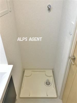 人気の室内洗濯機置き場(広角レンズ撮影)同一仕様