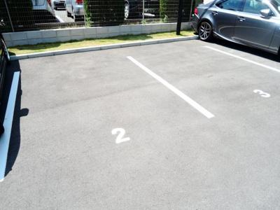 【駐車場】グランブルー高槻