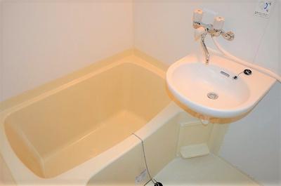 【浴室】ヴェルデカワシマ