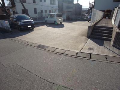 【駐車場】メゾンドゥ