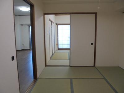 和室が2部屋もあって広々空間です。