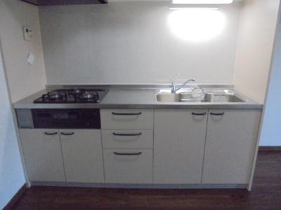 新しいキッチンでお料理するのが楽しみですね。