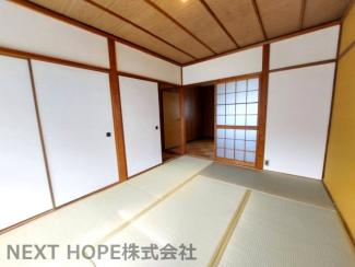 2階和室6帖です♪足を伸ばして寛げる居室です!押入れも有り室内を有効に使用していただけます!