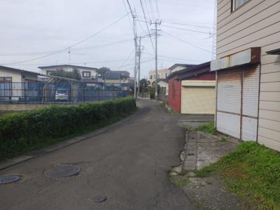 【前面道路含む現地写真】大館市美園町5-29・中古住宅