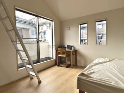 1号棟は開放感溢れる角地物件。カースペース並列2台駐車可能です!