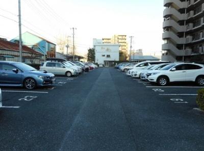 ソルフェスタ赤羽の駐車場です。