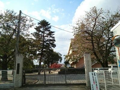 藤岡市立第一小学校まで700m
