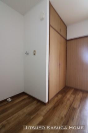 大型収納と室内洗濯機置き場