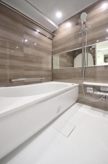 キャッスルマンション戸越公園:浴室乾燥機・追い焚き機能付き浴室です!