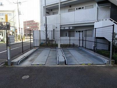 敷地内駐車場も完備(要空確認)