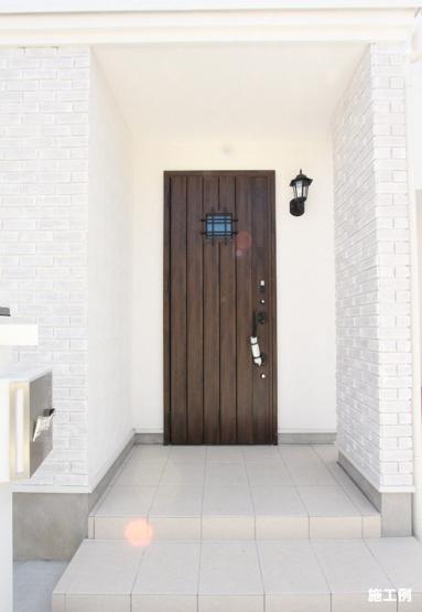 1階2階ともに、温水洗浄便座つきの快適なトイレです。
