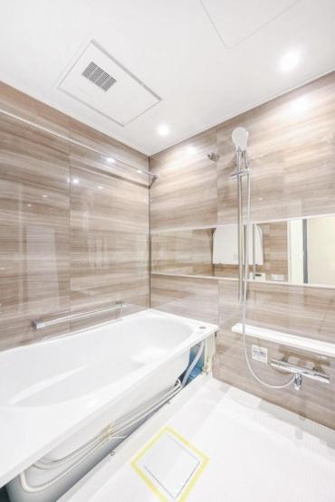 ユニーブル西荻窪Ⅱ:浴室乾燥機・追い焚き機能付き浴室です!