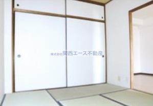 【寝室】グランドファミリア高井田