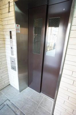 エレベーター付きでお引越しもらくらくです