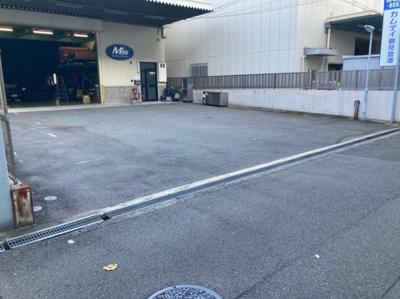 【駐車場】今津北4丁目事務所付貸倉庫