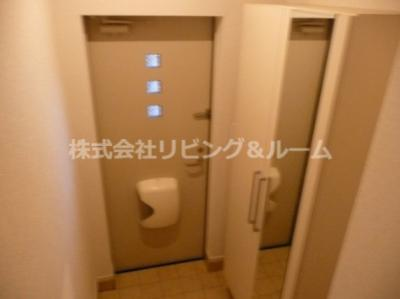【玄関】コンフォルターブル・Ⅴ棟