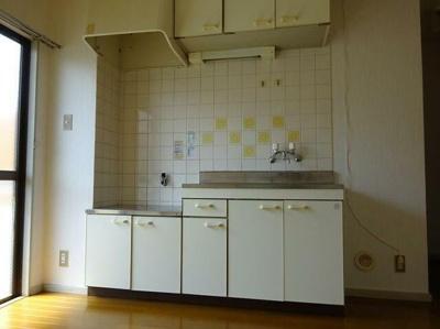 広々使えるキッチンです。