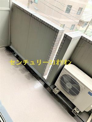 【バルコニー】ルーブル練馬弐番館(ネリマニバンカン)