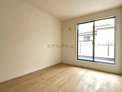 2号棟はカースペース並列2台駐車な整形地!交通量の少ない閑静な住宅街です。