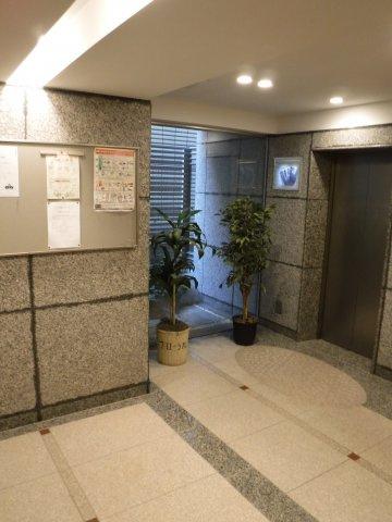 ホテルを思わせるようなエレベーターホール
