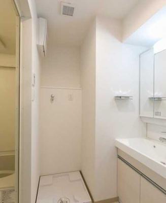 【設備】三茶 築浅 駅近駅徒歩1分 独立洗面台 浴室乾燥機