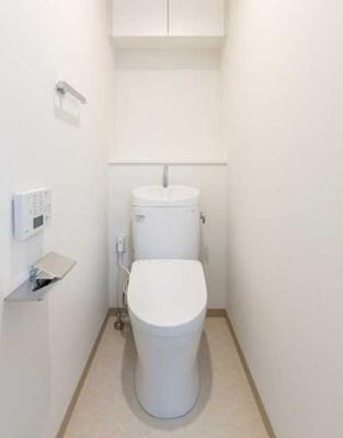 【トイレ】三茶 築浅 駅近駅徒歩1分 独立洗面台 浴室乾燥機
