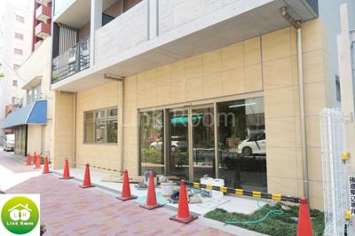 1階部分にはコンビニエンスストアがオープン