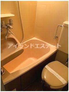 【浴室】クレッセント三軒茶屋 南向き 学生おすすめ 光ファイバー 建物改修工事済