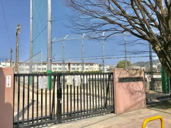 大野北小学校 0.5km