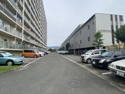 駐車場も広いので、停めやすいですよ。