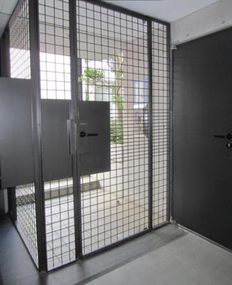 【エントランス】アルシェ ドゥ デザイナーズ 浴室乾燥機 オートロック