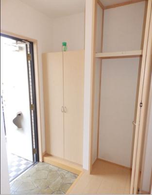 【玄関】ロイヤルコートC棟
