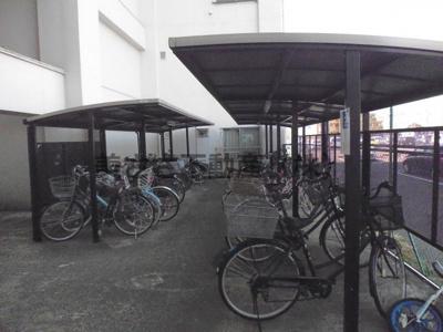 屋根付き駐輪場 駐輪代かかります