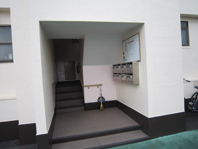 【外観】●仲介手数料無料です● MAC実籾マンション 2DK 新栄1丁目 小家族や単身者にも人気の3階部分、陽当たり良好です!