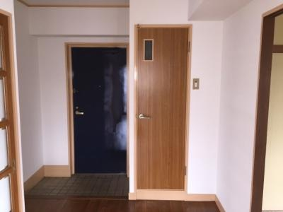 【玄関】メゾン梅田