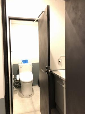共用トイレ&手洗い(2階も3階ともに男女共用)