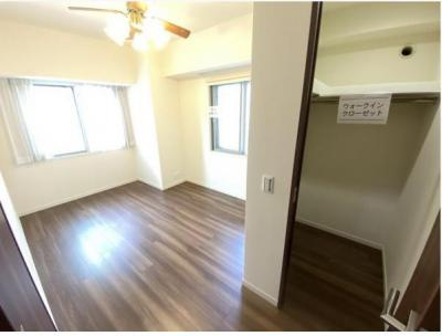 和室も窓があり明るいです。全室に窓があります!