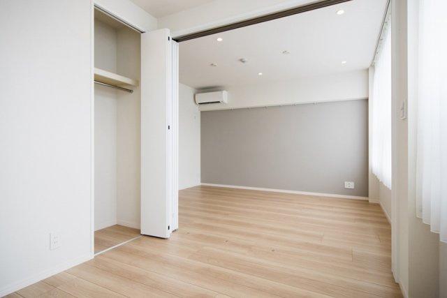 目白武蔵野マンション:約4.5帖の洋室にはクローゼット・窓が付いております!