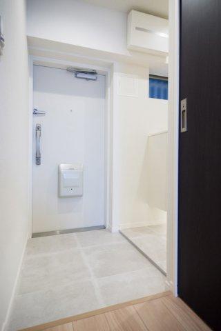 目白武蔵野マンション:玄関にはシューズボックスがあり靴もスッキリ収納可能です!