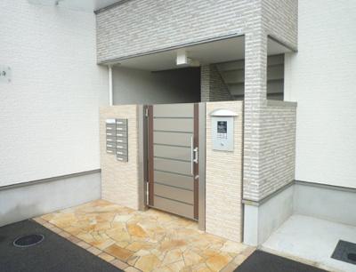 【エントランス】フジパレスアイヴィ浜寺